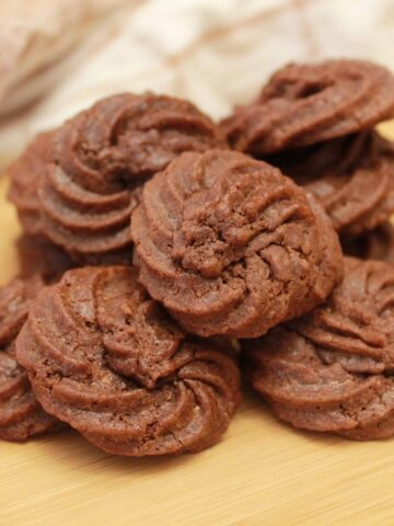 nutella cookies on a cutting board