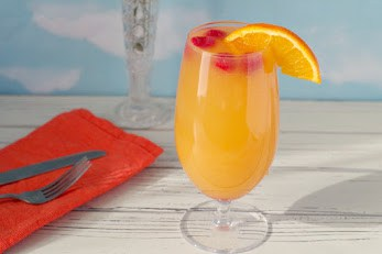 16 Refreshing Summer Drinks to Make for a Party 7