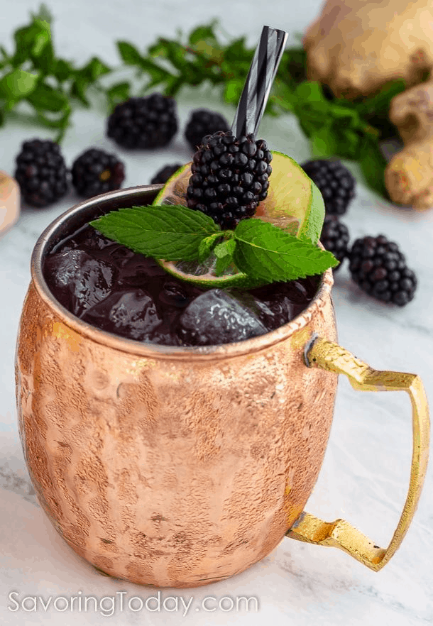 16 Refreshing Summer Drinks to Make for a Party 2