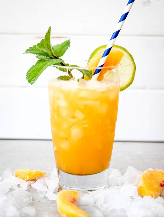16 Refreshing Summer Drinks to Make for a Party 16